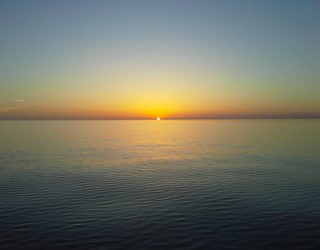 FlickWild Outdoors Videos - Beautiful Sunrise This Morning On Lake Michigan.  6-3-2016